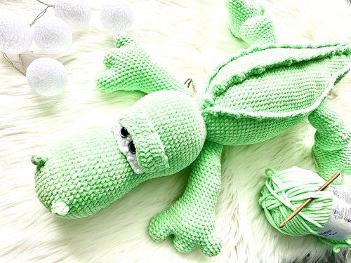 Zielony krokodylm maskotka ręcznie robiona na szydełku
