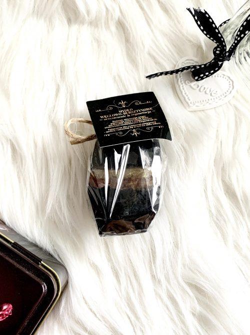 Naturalne mydełko z bursztynem i węglem aktywnym o zapachu inspirowanym SI
