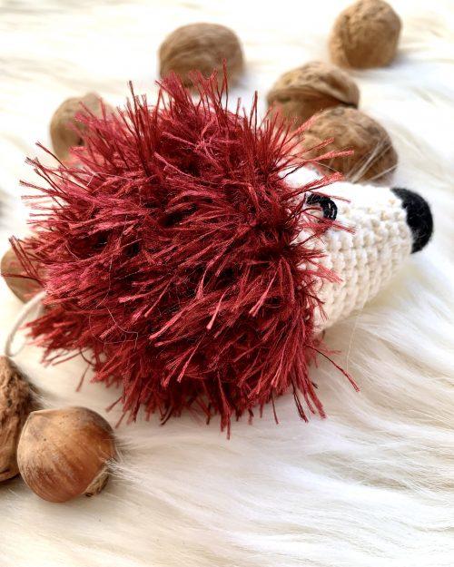 Szydełkowy Jeżyk Leśny – Maskotka dla niemowlaka, Handmade (mini)