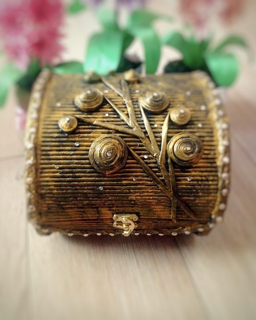 Pudełko GOLD FASHION na biżuterię i skarby, rozmiar MIDI
