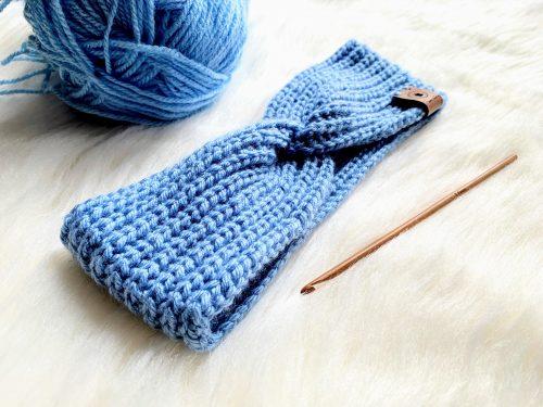 Niebieska opaska blue zrobiona na szydełku
